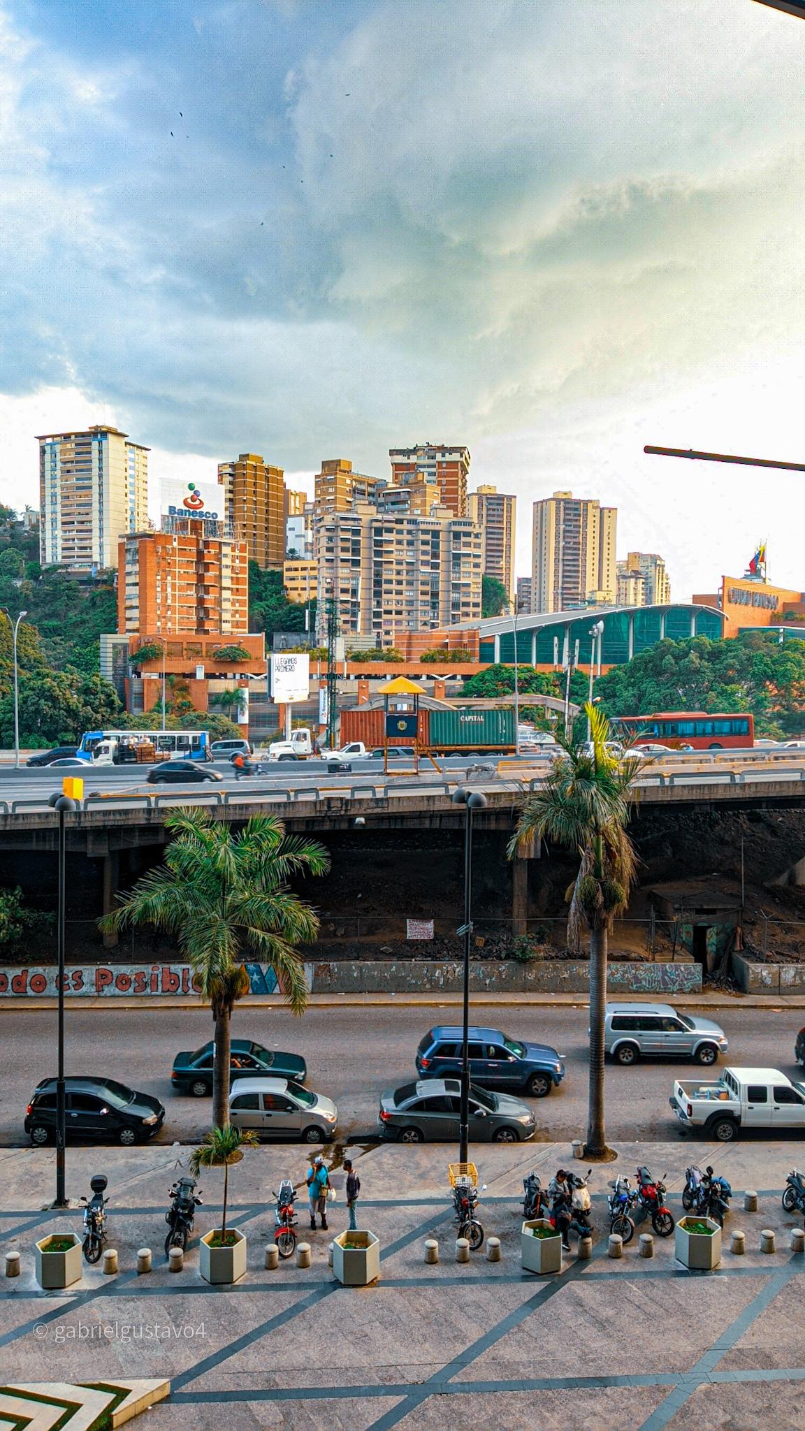 Caracas , un Caos que te atrapa - Ser Caraqueño