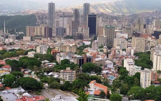 Un jardín en Caracas - Ser caraqueño