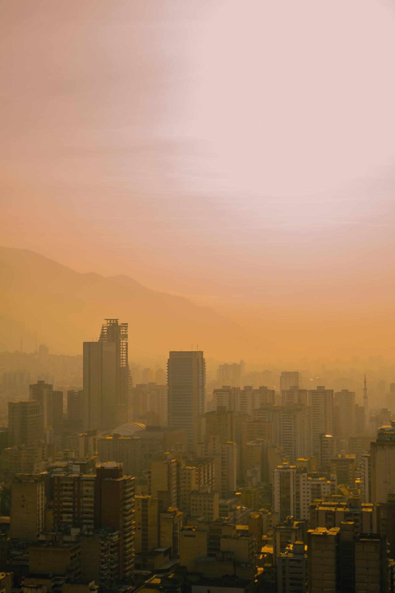 Caracas Dorada - Ser Caraqueño